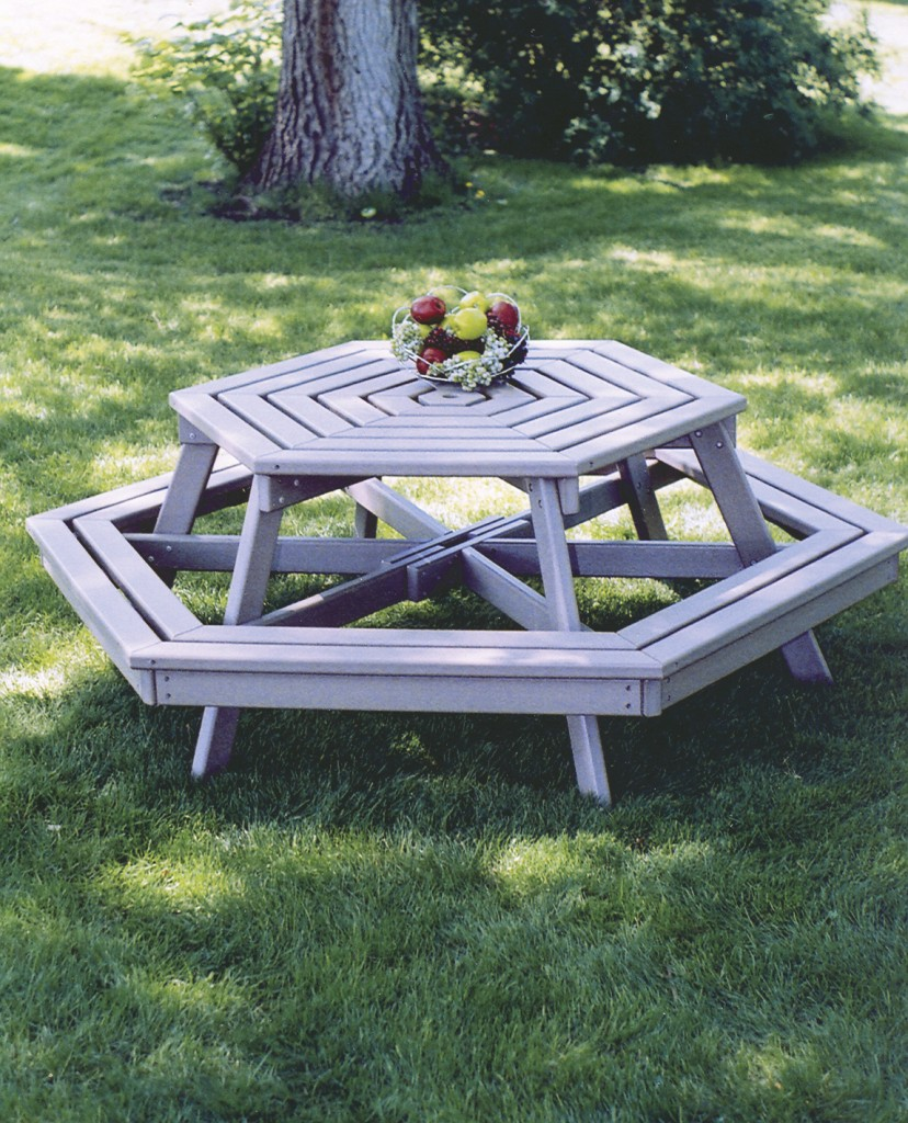 Poly lumber outdoor furniture recycled plastic furniture for Low maintenance outdoor furniture